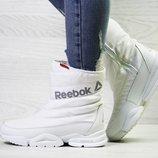 Зимние женские ботинки Reebok white