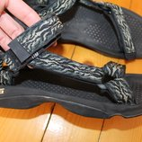 45 разм. Фирменные сандалии Teva 30 см. стелька ширина подошвы - 11,5 см.
