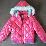Симпатичная курточка, в отличном состоянии, для девочки 4-6 лет.