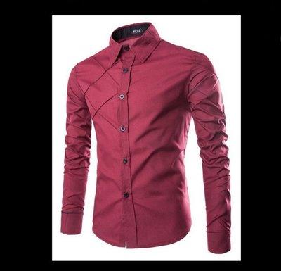 Приталенная мужская рубашка с ассимметричным узором и контрастными манжетами код 71 красная