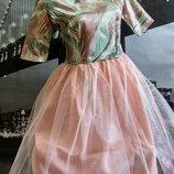 Платье с пышной юбкой, персикого цвета, С р.