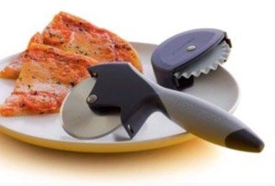 Нож для теста и пиццы Tupperware