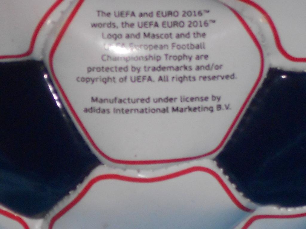 шикарный небольшой футбольный мяч UEFA Euro 2016 size 2  150 грн -  спортивный инвентарь в Житомире a7dc051e940c6
