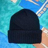 Мужская черная шапка с отворотом. Вязаная одинарная однотонная шапочка. Новые.
