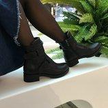 Трендовые кожаные ботинки