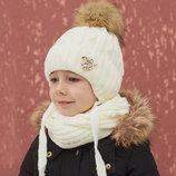 Зимний комплект шапка и шарф с меховым бубоном. Молоко и пудра. В наличии