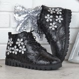 SALE Ботинки со стразами Modno женские весна-осень черные прошитые