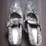 В наличии Новые туфли на высоком каблуке carlabei 38 р