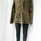 Стильная модная демисезонная куртка Human Nature Размер М.