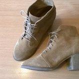 Качественные замшевые ботинки ботильоны 40р. 26 см. испанского бренда pull & bear