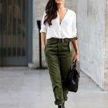 Шикарные новые бойфренды джинсы мом цвета хаки c&a р м/л с высокой талией