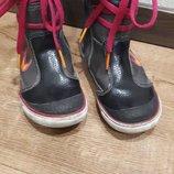Демисезонные ботинки Nike для девочки 17см