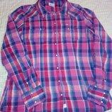 Отличная, натуральная, фирменная рубашка, удлиненная.