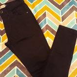 Крутые черные джинсики от Next Skinny, размер 28.