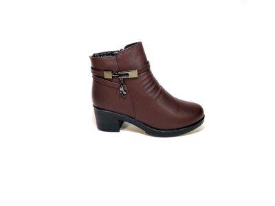 Ботинки женские, зимние, коричневые, на удобном каблуке. Размер 37-41.