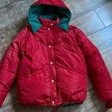 Красный пуховик-Аляска-плотно наполнен с капюшоном-очень теплый-М-ка