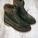 Стильные зимние ботиночки на шнуровке.