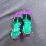 Очень красивые босоножки на каблуку Amisu не ношенны 35/36 размер