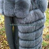 Шикарная куртка пальто из натуральной кожи и натуральным мехом песца