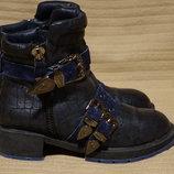 Потрясающие комбинированные кожаные ботинки с металлическим декором Rassel Matos Португалия 36 р.