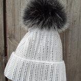 Теплая зимняя шапка на флисе со стразами и бубоном 5 цветов