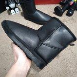 Женские угги Ugg Classic II Short Leather Black