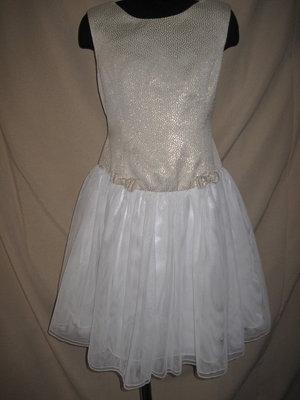 Красивое платье Jona Michelle 8л