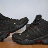 Зимние кроссовки Adidas Terrex.