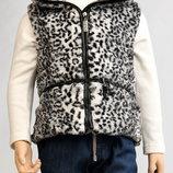 Нарядная меховая жилетка на молнии, безрукавка с пояском от Zara на 3-5 лет, можно на утренник