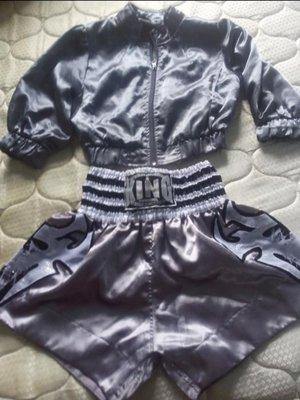 Костюм на праздник и не только болеро-куртка и шорты - боксеры серебристые