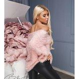 Розовый свитер пушистик