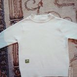 Красивый белоснежный свитерочек 2года