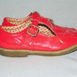 Туфли лаковые F&F. Англия. Размер 29-30, стелька 18,6 см