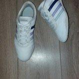 Кроссовки Adidas оригинал р.38,5 стелька 23,5 см.