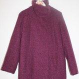 Пальто актуальное и стильное,новое, ткань -букле,шикарный цвет
