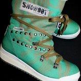 39 разм. Зима. Сапоги Snow boots 100 % шерсть внутри. Не промокают Длина по внутренней стельке- 25,5
