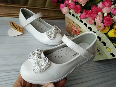 Туфли лаковые белые для девочки фирма clibee польша размер 27-32