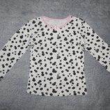 Пижамная трикотажная футболка M&S в пятна долматинца. На девочку 6-7 лет. Рост 116-122 см.