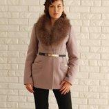 Стильное короткое зимнее пальто с натуральным мехом черное, коричневое, розовое