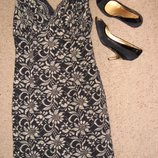 Кружевное черное с золотом платье Peacocks