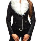 Куртка жіноча білого чорно-кольору
