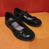 Туфли школьные р. 33,5 1,5 Н Clarks, Камбоджа, натур.кожа.