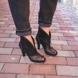 Кожаные ботильоны Levi's, демисезонные ботинки