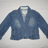 Стильный джинсовый пиджачок Next на девочку 9-10 лет. Рост 134 -140 см.