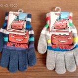 Разные рукавички Тачки Маквин Дисней