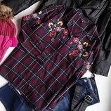 Стильная тёплая рубашка , с богатой вышивкой