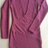 Нарядное платье PRETTYLITTLETHING с длинным рукавом