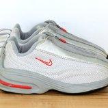 Кроссовки Nike. 26 размер. 16.5 см обувь детская