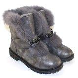 Стильные зимние серые ботинки с опушкой с цепочкой