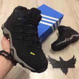 Мужские зимние ботинки Adidas Terrex.